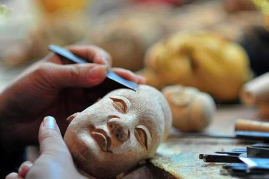 木偶头雕刻