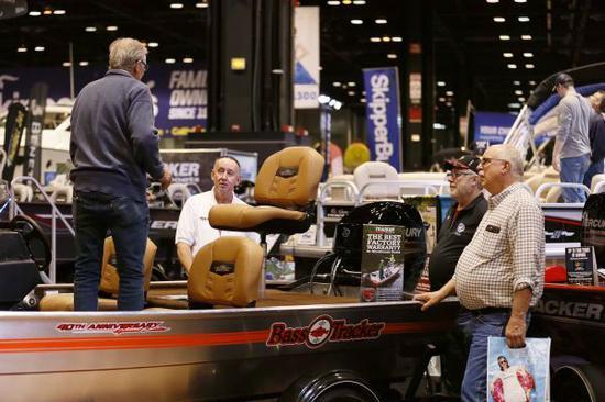 材料图片:美国芝加哥游艇和帆船展。(新华社)