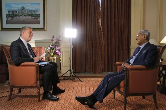 马哈蒂尔接受美联社采访