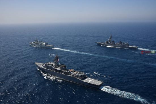8月1日至2日日本海上自卫队和加拿大、西班牙海军联合演练