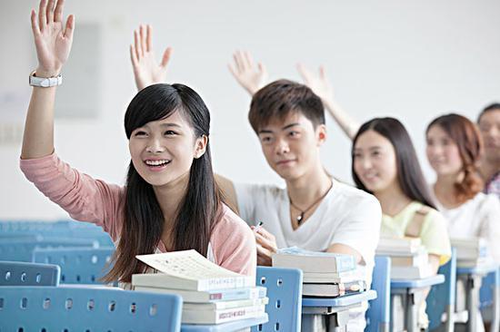 英媒:整容后的中国大学生自信迈入校园