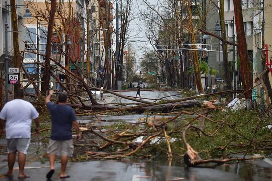 时至今日,波多黎各很多道路还无法通车 图源:《华尔街日报》