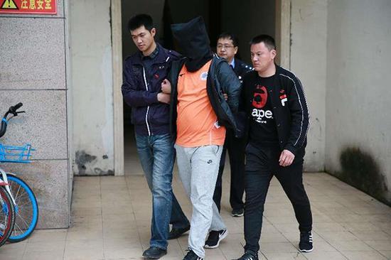河南警方打掉套路贷涉黑团伙 逾万受害人是大学生