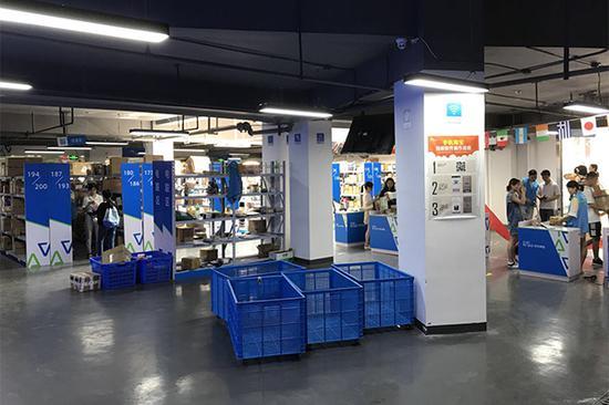 """华中农大建""""快递超市"""":新生入学可""""空手到"""""""