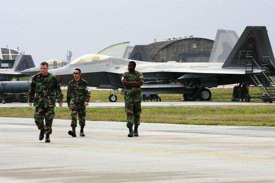 图为F-22战斗机