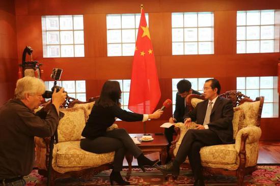 火药味十足 中国大使与瑞典记者正面交锋