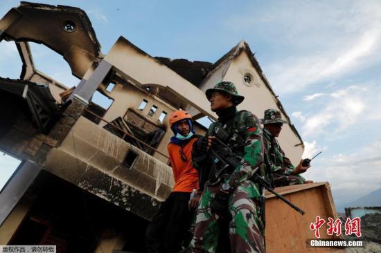 印尼抗灾署发言人苏托波7日下午在首都雅加达举行的新闻发布会上宣布,灾区人员搜救工作将于10月11日结束。