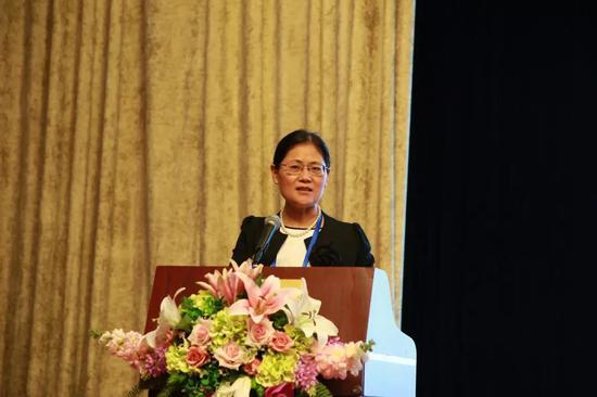 中国国际贸易促进委员会/中国国际商会调解中心副秘书长王芳主持