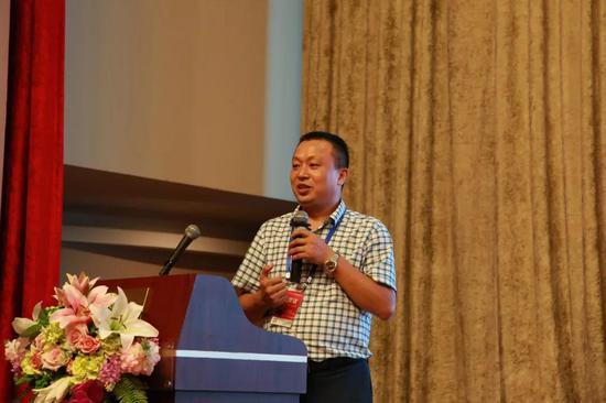 上海建纬(长沙)律师事务所主任戴勇坚主持