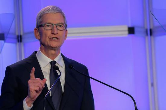 资料图片:苹果CEO库克。(路透社)