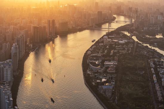 《日光倾城》 拍摄时间:2018.3.9 拍摄地点:广州塔