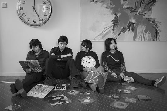 清醒乐队在沈黎晖家中 2008年 摄影高鹏