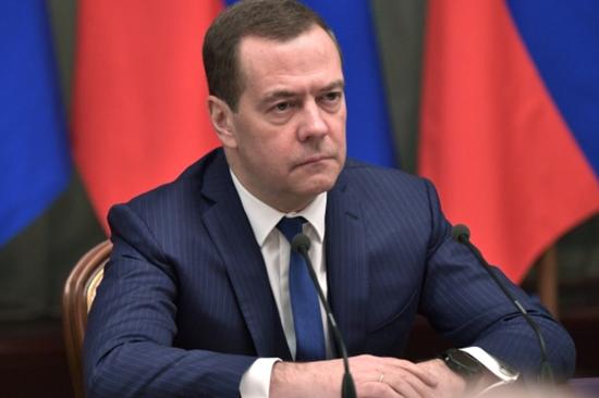 俄总理视察日俄争议岛屿:建议免税 发展商业|鲁普|消息报