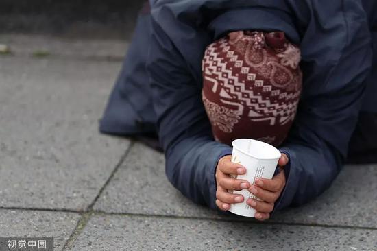 "<b>瑞典小镇乞讨也要""持证上岗""当乞丐都这么难?|杰森</b>"