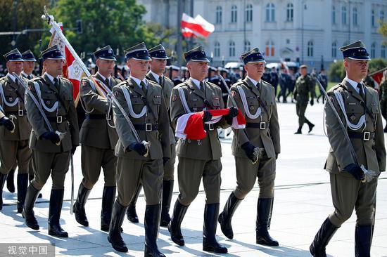 9月1日,波兰华沙举办第两次天下年夜战发作80周年岁念典礼。图源:视觉中国