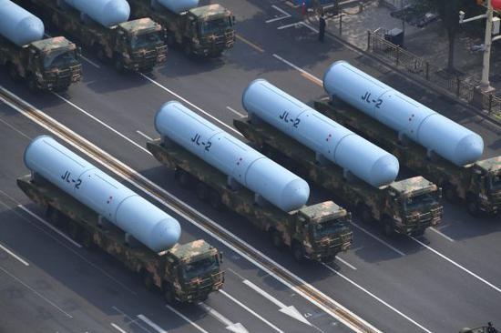 """外媒:中国阅兵展示东风-41还有多款""""明星""""武器"""