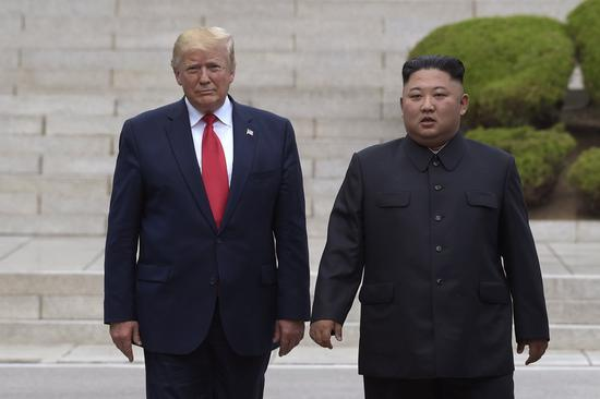 本年六月,晨好指导人于晨韩军事分界限四周冗长接见会面。(图源:好联社)