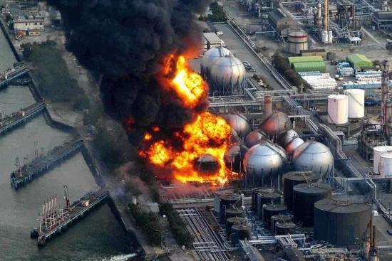 ▲资料图片:2011年,福岛第一核电站发生泄露事故。(共同社)