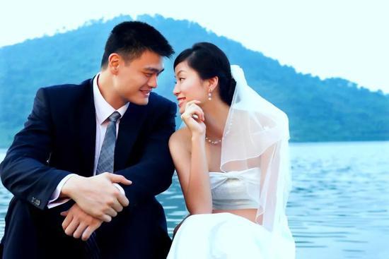 ▲姚明和妻子叶莉(图片来源:视觉中国)