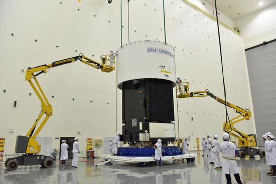 """一身真功夫:盘点实践二十号卫星的六大""""黑科技""""图片"""