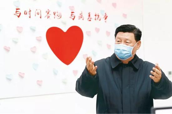 2020年2月10日,中共中央总书记、国家主席、中央军委主席 习近平。在北京调研指导新冠肺炎疫情防控事变。这是 习近平。在朝阳区疾病预防控制中心调研。新华社记者 刘彬/摄