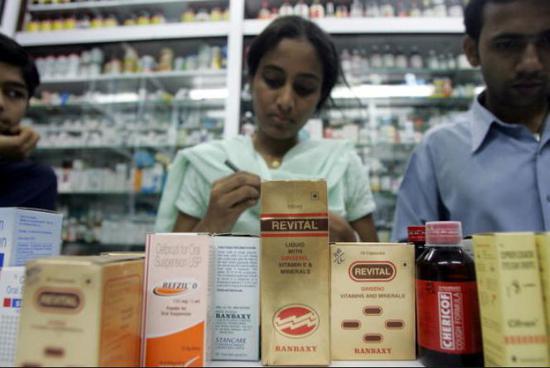 中国卖2万的癌症救命药 在印度为啥只要200块?