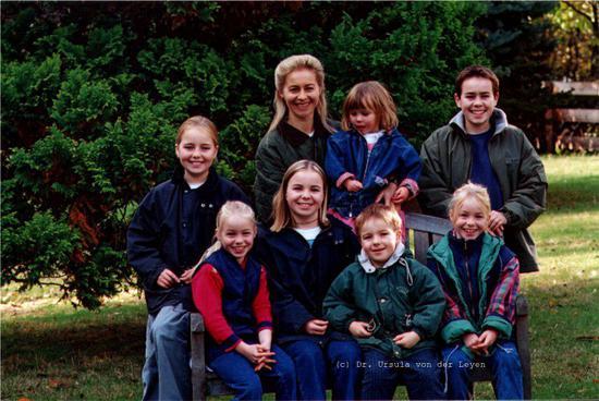 冯•德莱恩和她的孩子们 图自图片报