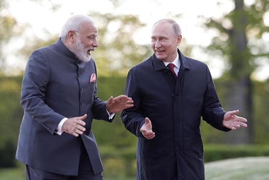 当地时间2017年6月1日,俄罗斯圣彼得堡,俄罗斯总统普京与印度总理莫迪会晤。视觉中国 资料