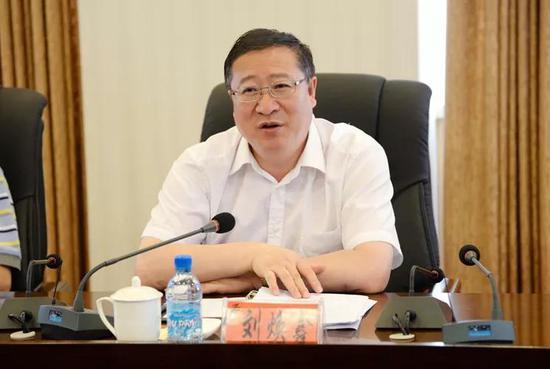 国务院任免17位领导 辽宁省委秘书长上调部委图片
