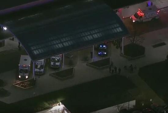 视频|美芝加哥医院枪击案已致2死 目击者:枪手开