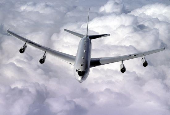 """图为美国空军一架E-8C""""联合星""""指挥机的资料照。(图源:空军时报)"""