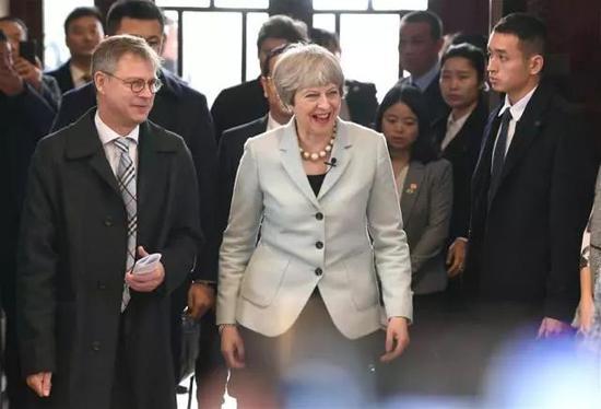 2018-05-23,英国首相特雷莎·梅到访武汉大学。新华社记者 肖艺九 摄