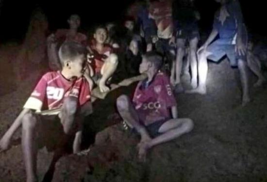 泰国少年足球队仍受困。(图片来源:福克斯新闻网)