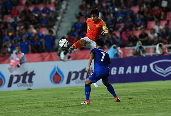 郑智在比赛中。