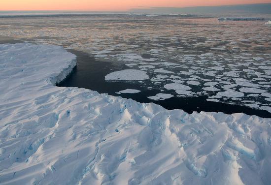 全球變暖致冰川融化