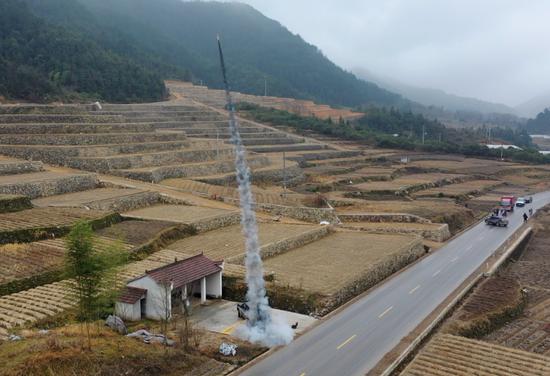 浙江省磐安县气象局开展人工增雨功课。可一化图