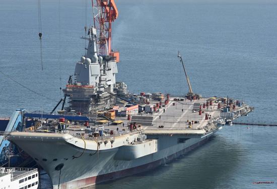 国产航母舰岛脚手架已经拆除完毕