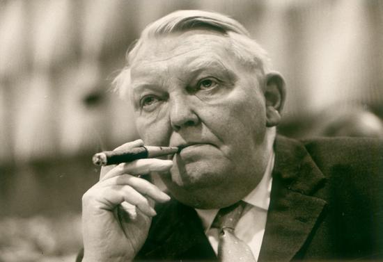 (前德国经济部长艾哈德被视为德国经济奇迹之父,摄影:Konrad-Adenauer-Stiftung)