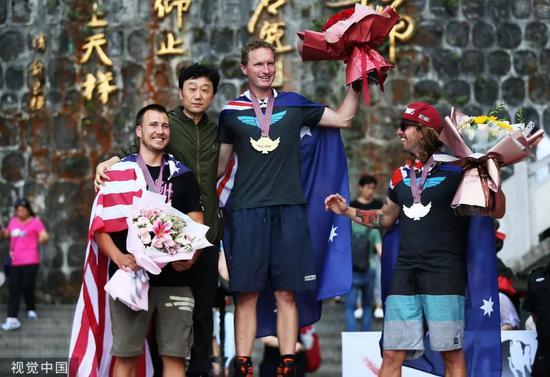 """这场在华举行的""""勇敢者游戏""""海外网友难以置信"""