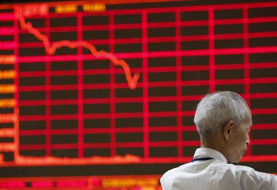 ▲全球各地股市应声大跌。(路透社)