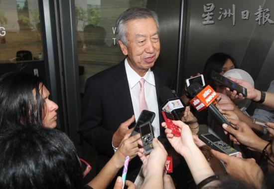 日本驻马大使宫川真喜雄8日接受采访(图源:星洲日报)