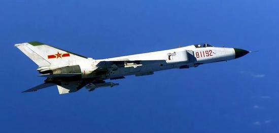 王伟驾驶的81192号歼-8II战斗机。图片来源:环球网