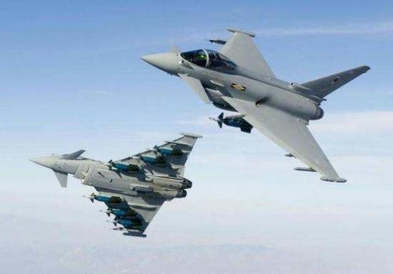 资料图:欧洲联合研制的台风战斗机。