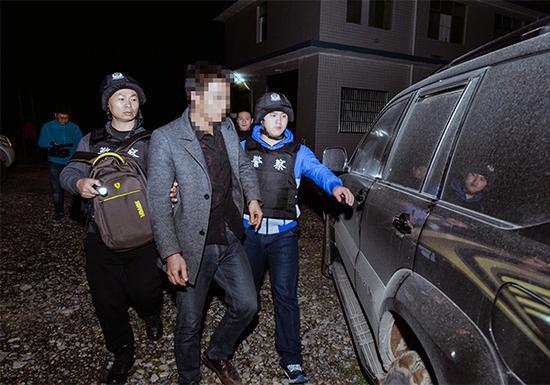 警方抓获犯罪嫌疑人。重庆市公安局供图