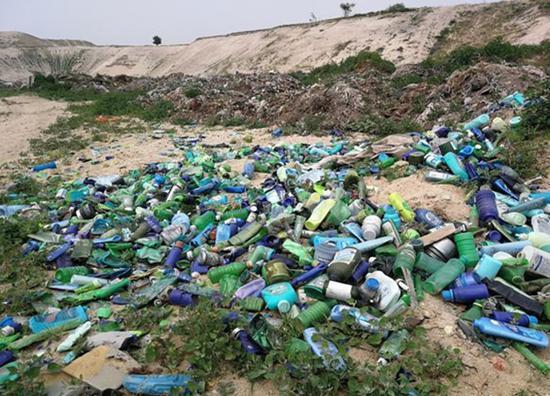 大沙河石家庄新乐段生活垃圾和工业废渣