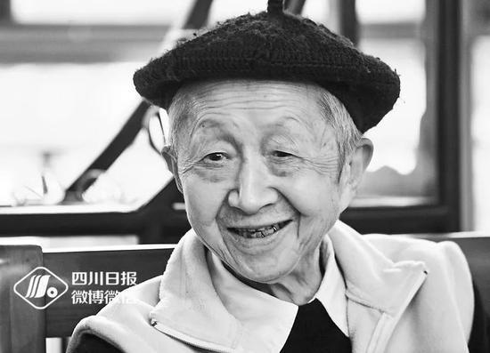 """水立方游戏官网-18年晒的衣服19年还没有干!据说杭州每个家里都有神器在对抗""""魔法攻击"""""""