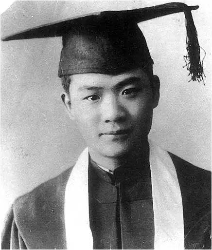 1935年萧乾从燕京大学毕业,沈从文推荐萧乾接替自己编辑大公报副刊。