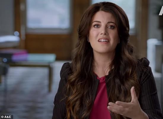 性醜聞女主角萊溫斯基出現在鏡頭前,首次披露當年被迫指證克林頓的往事。(圖片來源:英媒)