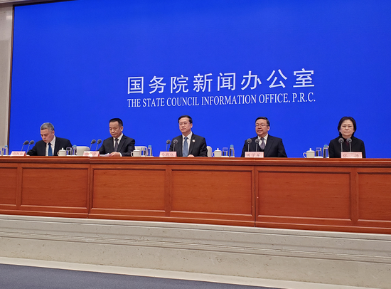 外交部:3月已包机接回中国公民1457人图片