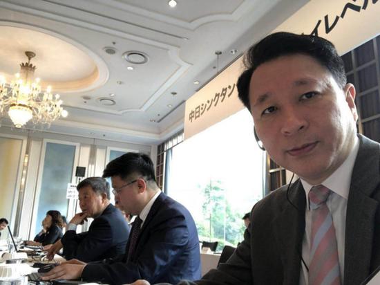 2018年4月24日,中日智库媒体高端对话会在日本新大谷饭店举行,中日双方的有关人员发表了相应的演讲